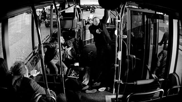 Aux yeux de tous bus